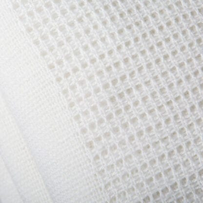 Cellular polyester blanket white